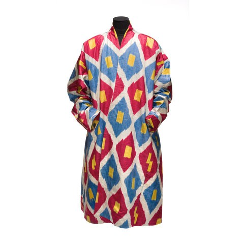 A red-blue-yellow robe which has diamond lattice pattern on it.